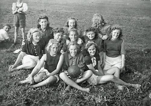 SG Lebus - die erste Handballfrauenmannschaft 1949